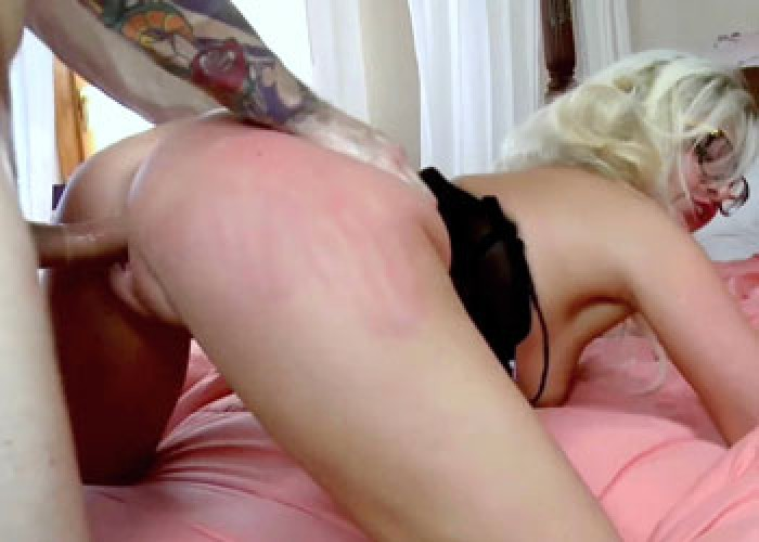 French nympho Vanessa gets fucked hard