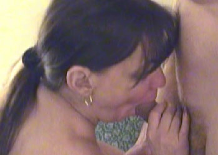 Alanna blows lots of dudes