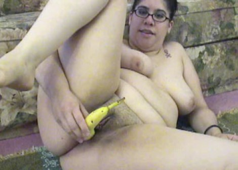 LuLu Garcia stuffs her twat with bananas
